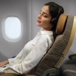 7 Posturas para dormir durante un viaje en avión