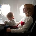 ¿A qué edad pueden viajar los bebés en avión?