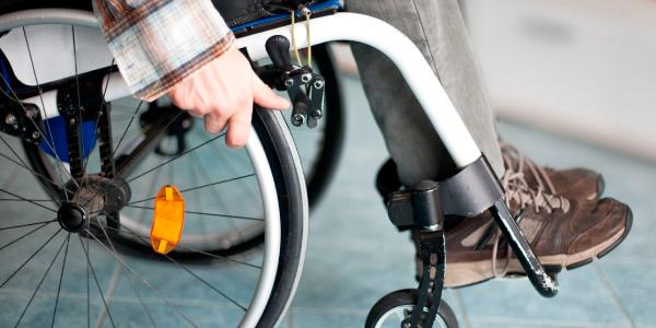 viajar en avión con silla de ruedas